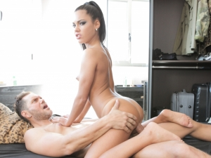 Spanish Vixen Earns Two Wet Loads