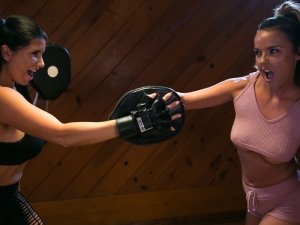 Lesbian Workout Stories: Going Hard